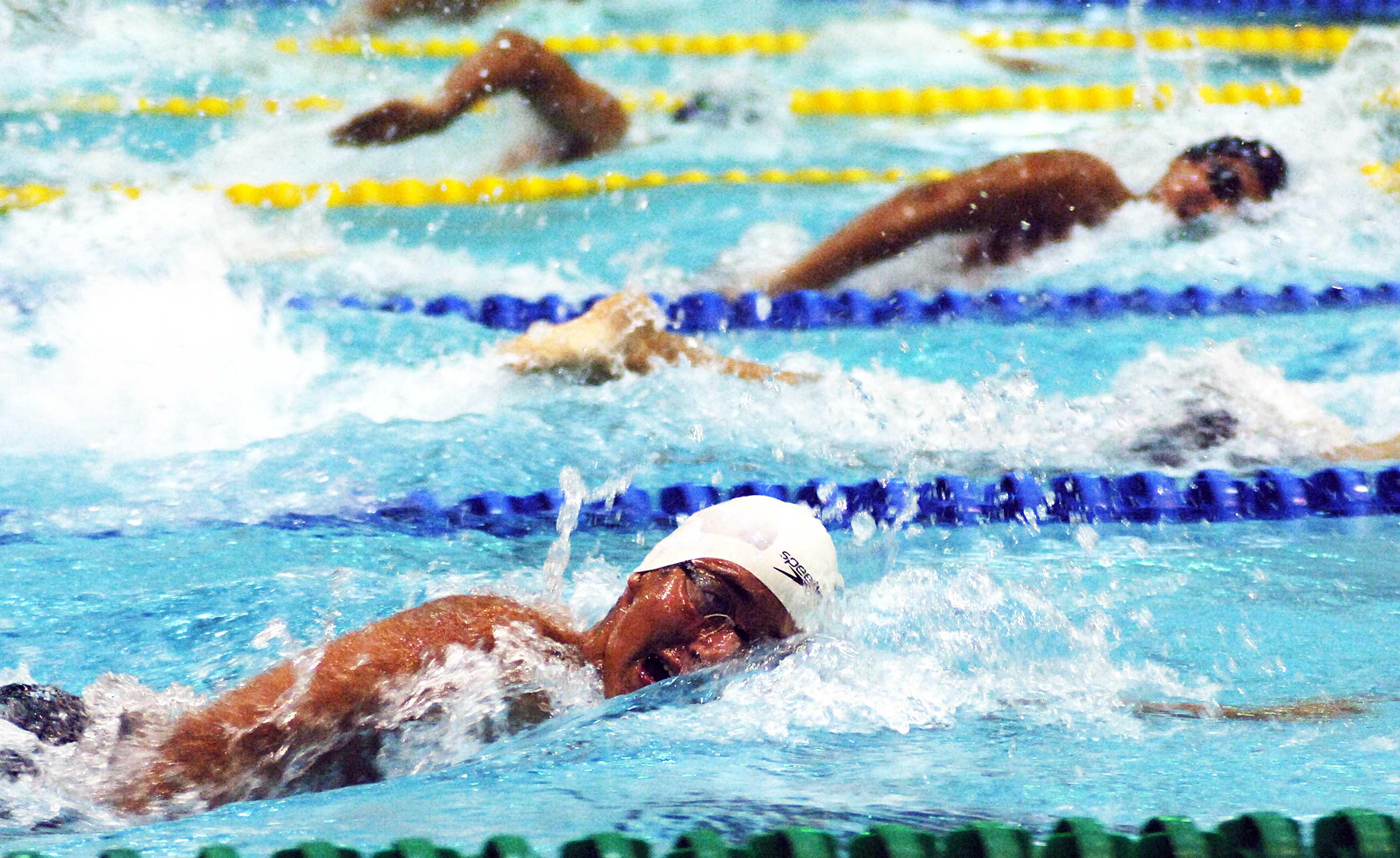 encontrar escoltas Deportes acuáticos