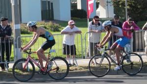 Ciclismo último relevo triatlón relevos mixto